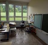 Sporenmessung im Klassenzimmer in einer Grundschule im Sauerland nach einer Schimmelsanierung